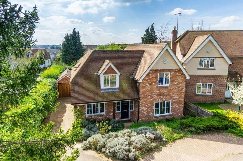 4 Bedrooms Detached House for sale in Devey Close, KNEBWORTH, Hertfordshire