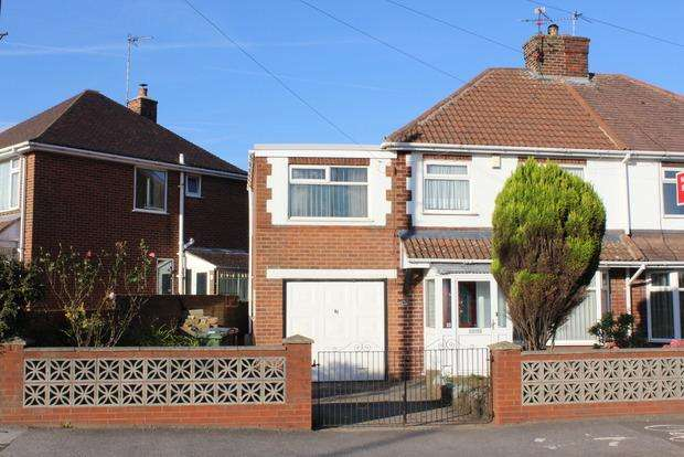 4 Bedrooms Semi Detached House for sale in Chesterfield Road North, Pleasley, Mansfield, NG19