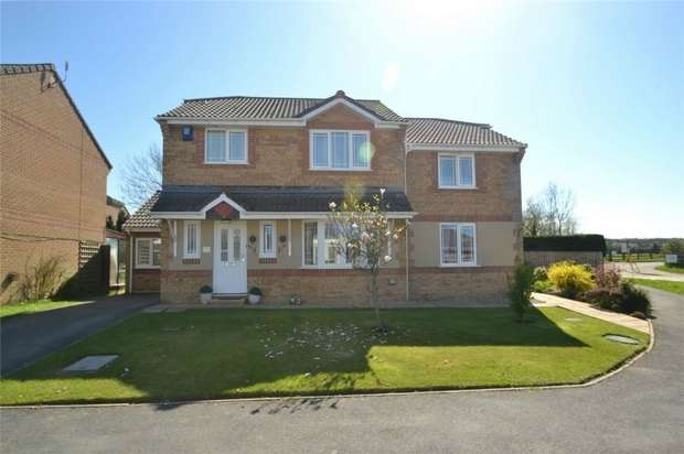 5 Bedrooms Detached House for sale in Barnstaple, ROUNDSWELL, Devon