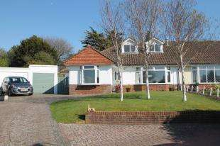 4 Bedrooms Bungalow for sale in The Meadows, Hangleton, Hove, East Sussex