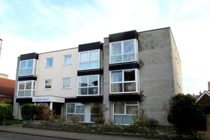 2 Bedrooms Flat for sale in High Street, Lee-On-The-Solent