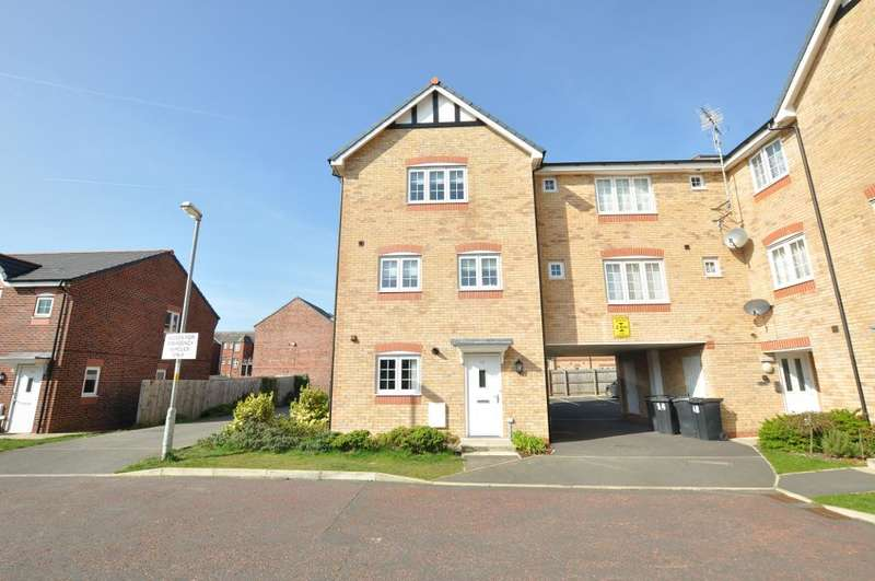 4 Bedrooms Town House for sale in Sycamore Drive, Wesham, Preston, Lancashire, PR4 3FG