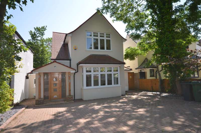 4 Bedrooms Detached House for sale in Oakington Avenue, Wembley, Middlesex. HA9 8HZ