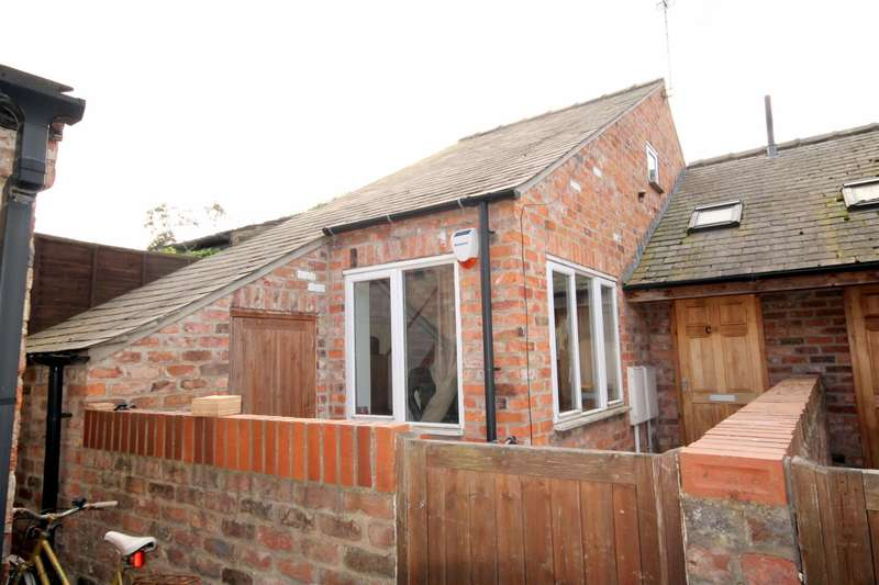 1 Bedroom Semi Detached House for sale in Lawrence Street, York, YO10 3EB