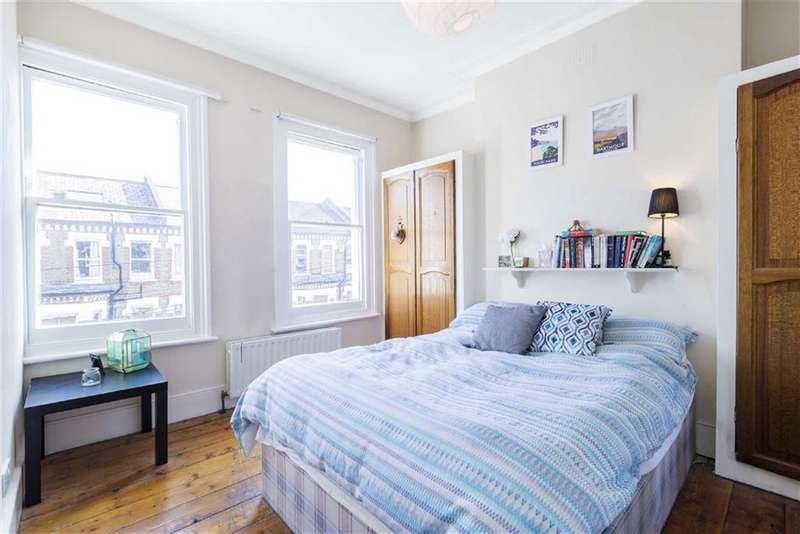 2 Bedrooms Flat for sale in Tremadoc Road, London