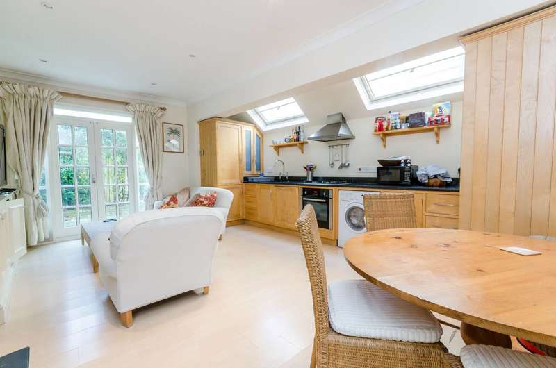 2 Bedrooms Flat for sale in Elbe Street, Sands End, SW6