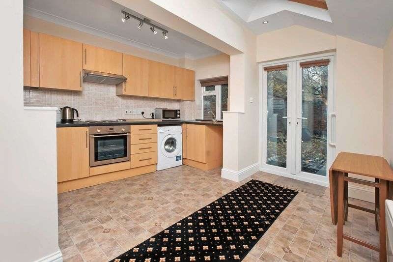 2 Bedrooms Flat for sale in Westexe Area