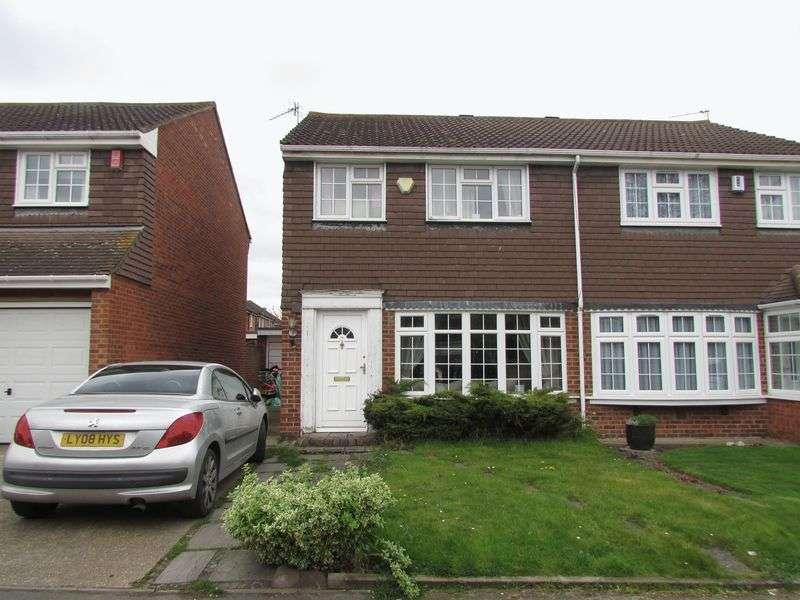 3 Bedrooms Semi Detached House for sale in Faesten Way, Bexley