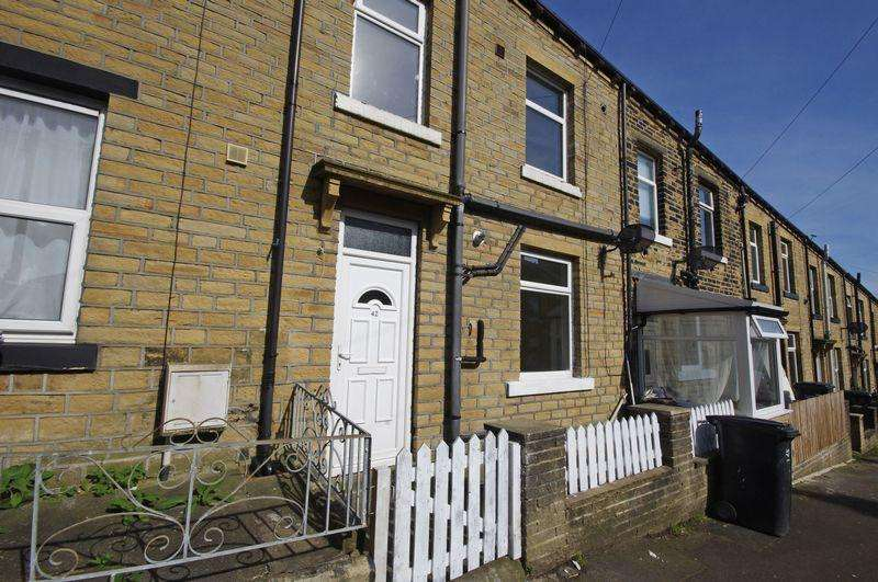 2 Bedrooms Terraced House for sale in Albert Road, Sowerby Bridge, HX6 2PA