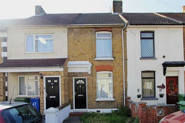 3 Bedrooms Terraced House for sale in Harold Road, Sittingbourne, Kent