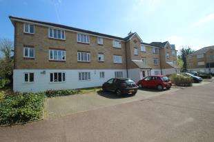 1 Bedroom Flat for sale in Chipstead Close, Sutton, Surrey, Greater London