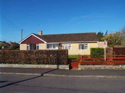 4 Bedrooms Bungalow for sale in Tintinhull, Yeovil, Somerset