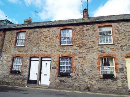2 Bedrooms Terraced House for sale in West Looe Square, Looe, Cornwall