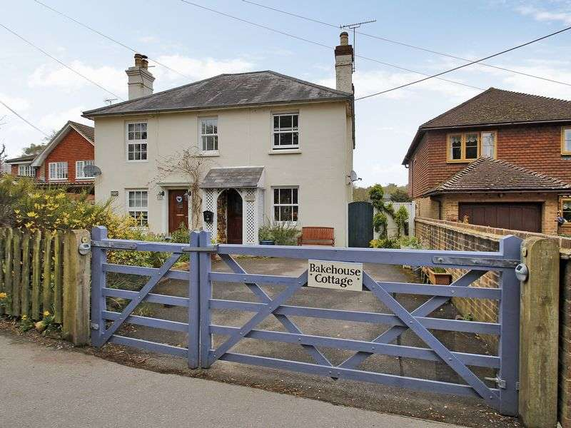 2 Bedrooms Semi Detached House for sale in Beaconsfield Road, Chelwood Gate