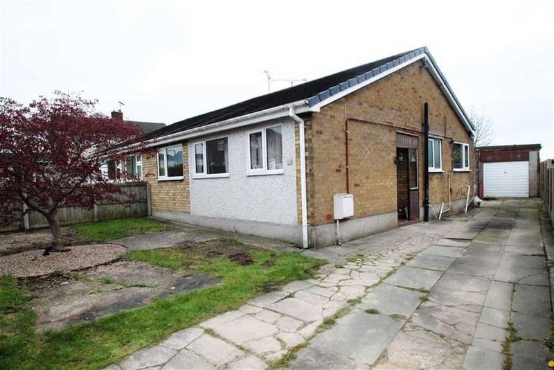 3 Bedrooms Semi Detached Bungalow for sale in Fammau View Drive, Penyffordd