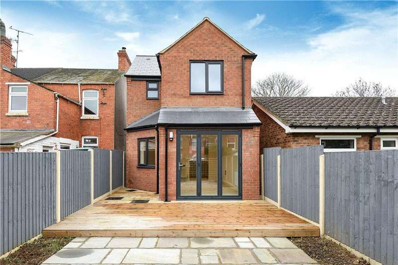 2 Bedrooms Detached House for sale in Bounty Street, New Bradwell, Milton Keynes, Buckinghamshire