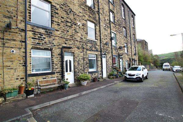 1 Bedroom Terraced House for sale in Mount Street, Sowerby Bridge