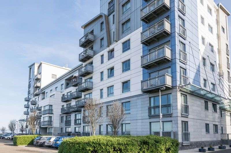 2 Bedrooms Flat for sale in 6/14 Western Harbour Terrace, Newhaven, Edinburgh, EH6 6JN