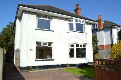 2 Bedrooms Flat for sale in Queens Park, Bournemouth, Dorset