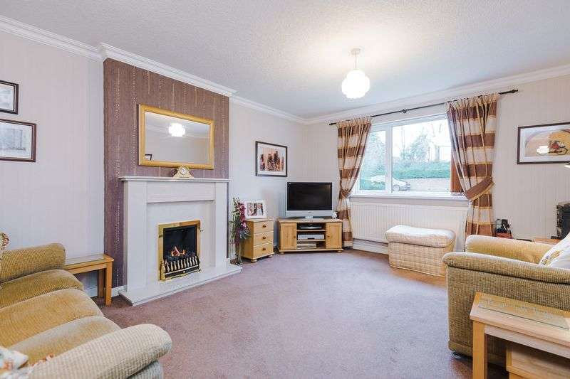 3 Bedrooms Detached Bungalow for sale in St Michaels Close, Chorley