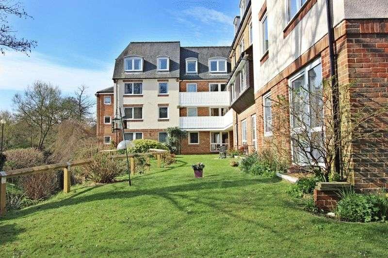 1 Bedroom Retirement Property for sale in Homestream House, Horsham, RH12 1SS