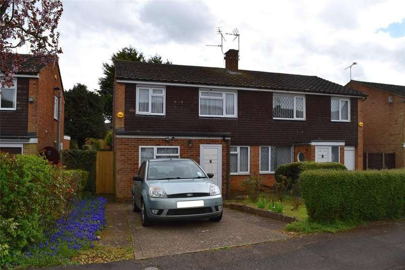 3 Bedrooms Semi Detached House for sale in Frenchmans Close, Toddington