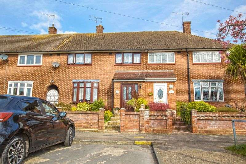 3 Bedrooms Terraced House for sale in Ernan Close, South Ockendon