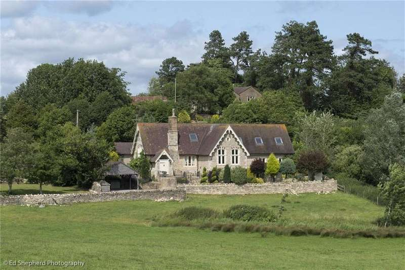 3 Bedrooms Detached House for sale in Bagpath, Tetbury, Gloucestershire, GL8