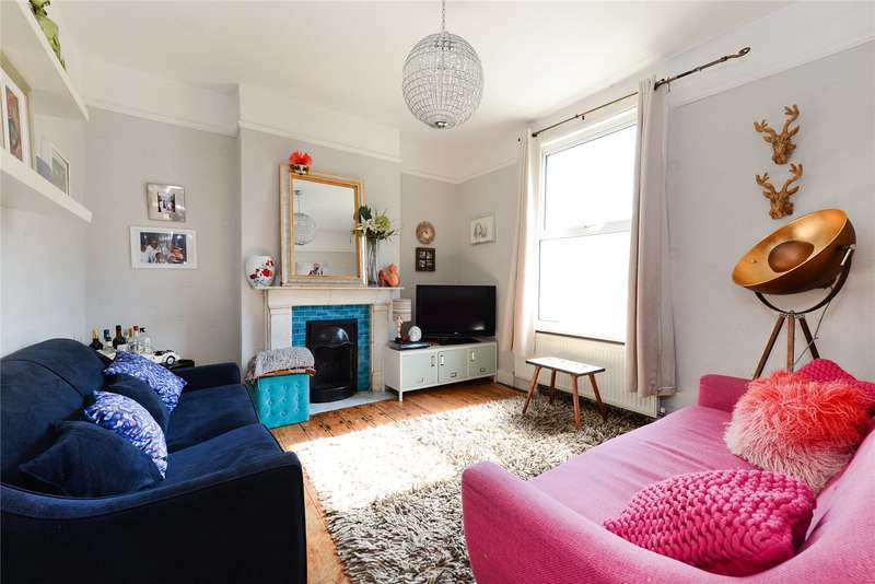 3 Bedrooms Terraced House for sale in Kings Road, London