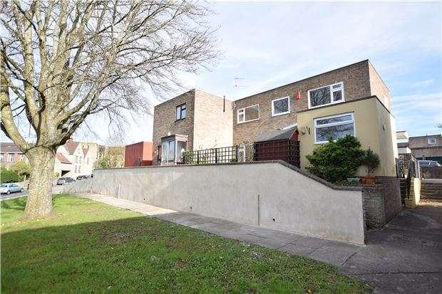 3 Bedrooms Maisonette Flat for sale in St. Johns Court, Keynsham, BRISTOL, BS31 2AZ