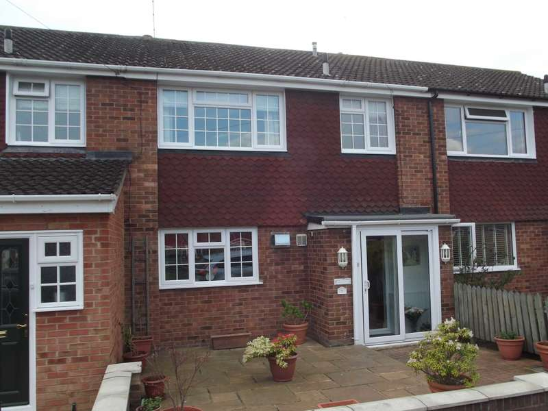 3 Bedrooms Terraced House for sale in Keats Close, Maldon