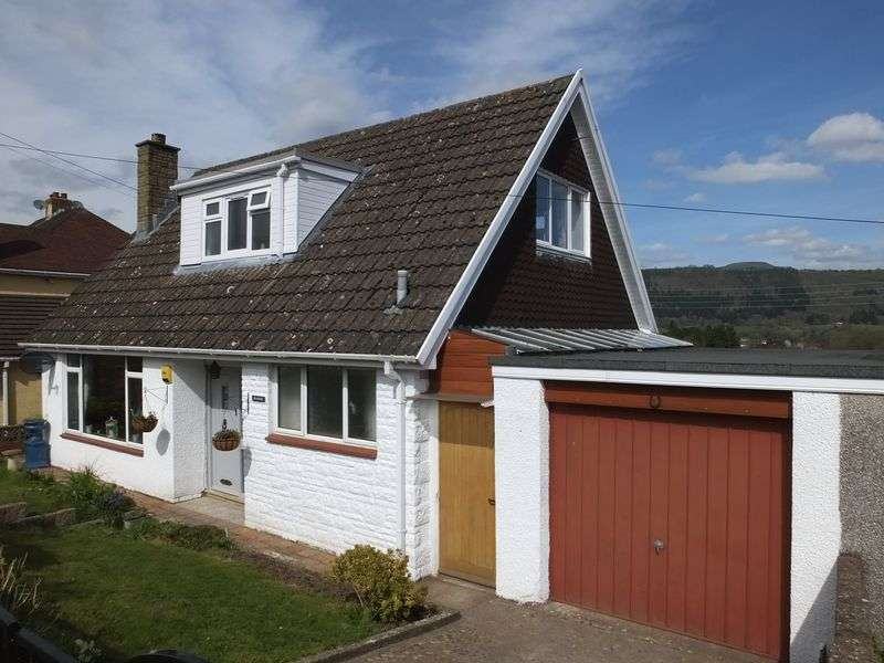 3 Bedrooms Detached Bungalow for sale in Hiley Avenue, Abergavenny