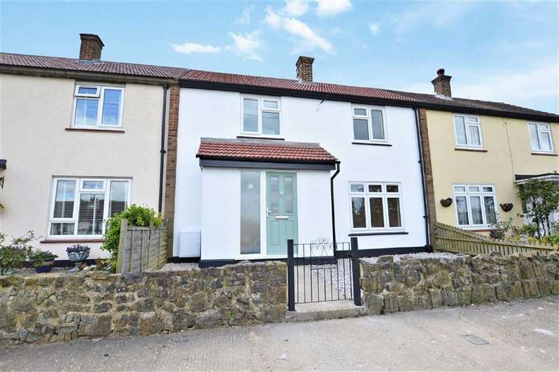 3 Bedrooms Property for sale in Coronation Hill, Epping