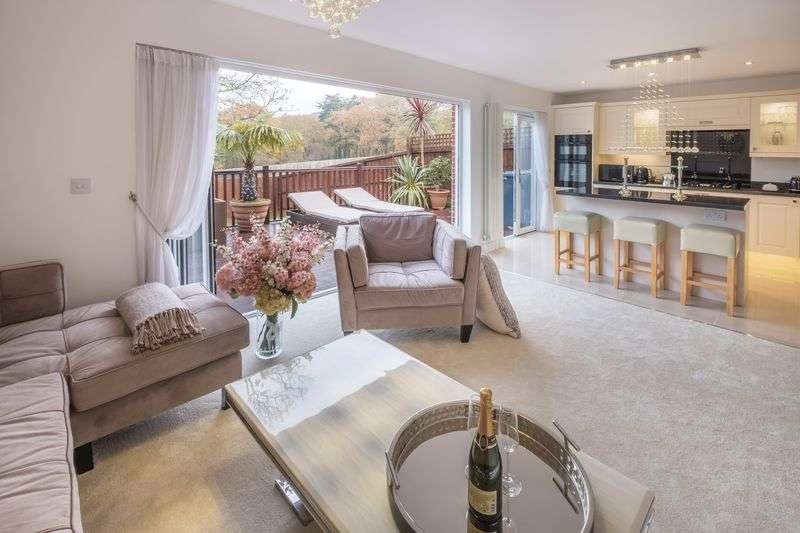 4 Bedrooms Detached House for sale in Cowes