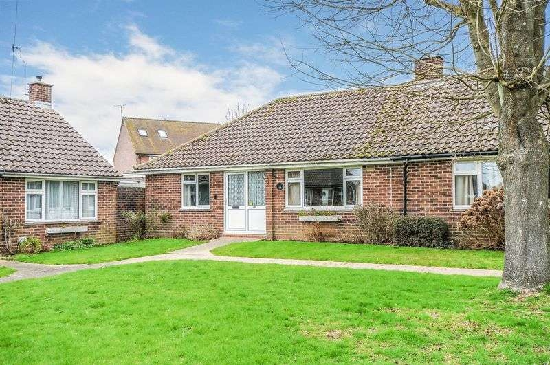 2 Bedrooms Bungalow for sale in Parklands Road, Chichester