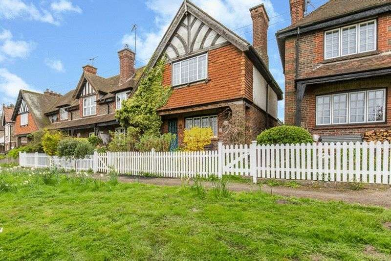 2 Bedrooms Cottage House for sale in Bletchingley Road, Godstone