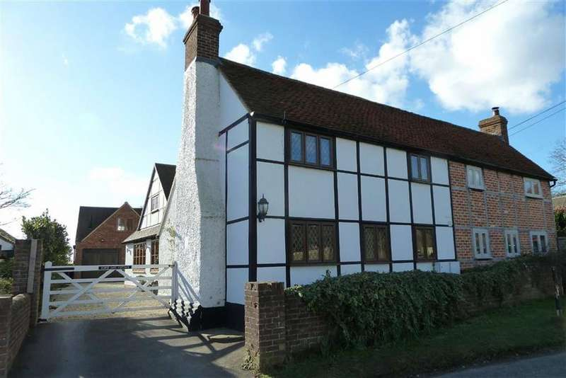 4 Bedrooms Semi Detached House for sale in Playhatch, Playhatch Reading