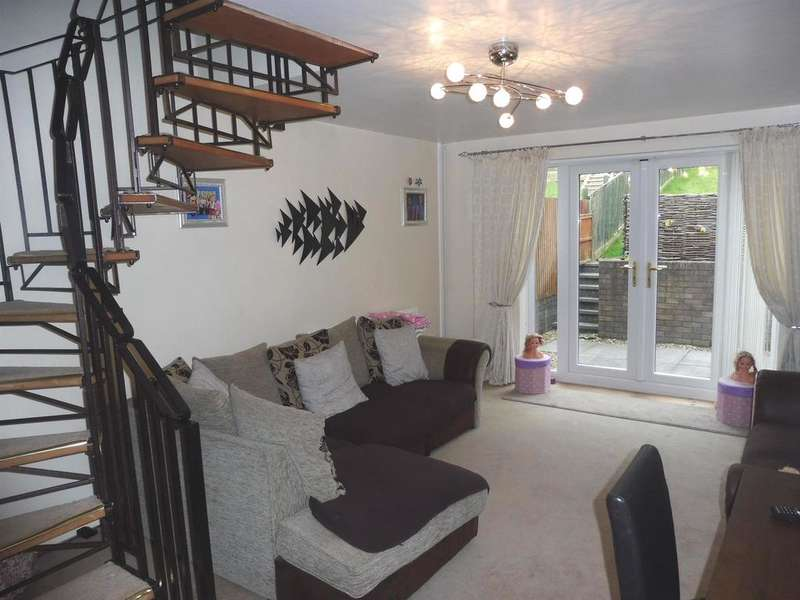 2 Bedrooms End Of Terrace House for sale in Rowans Lane, Bryncethin, Bridgend