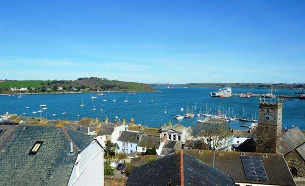 2 Bedrooms End Of Terrace House for sale in FALMOUTH