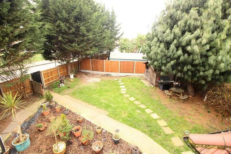 5 Bedrooms Semi Detached House for sale in Barnehurst Avenue Erith DA8