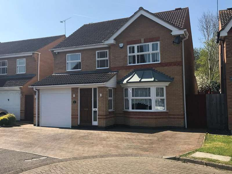 4 Bedrooms Detached House for sale in Longcroft Drive, Barton Le Clay, MK45