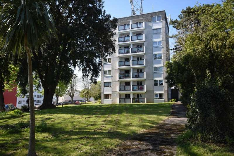 2 Bedrooms Ground Flat for sale in Waldon Point, St Luke Road South