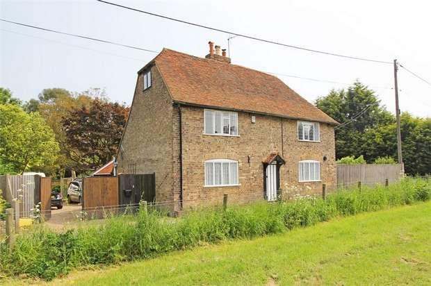 4 Bedrooms Detached House for sale in Deerton Street, Teynham, Sittingbourne, Kent