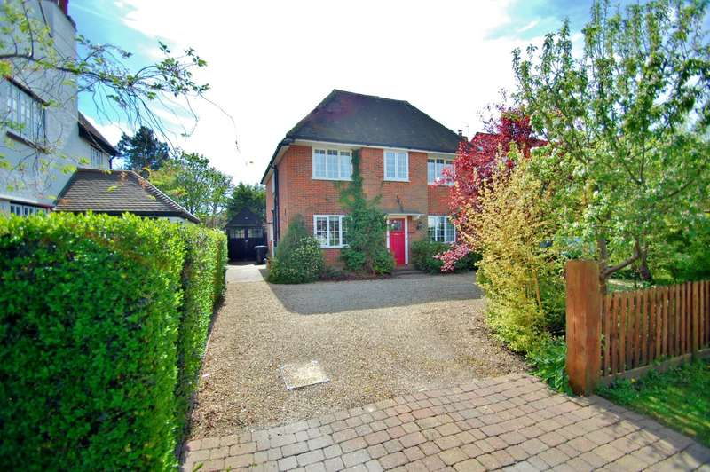 4 Bedrooms Detached House for sale in Acrefield Road, Chalfont St. Peter, Gerrards Cross, SL9