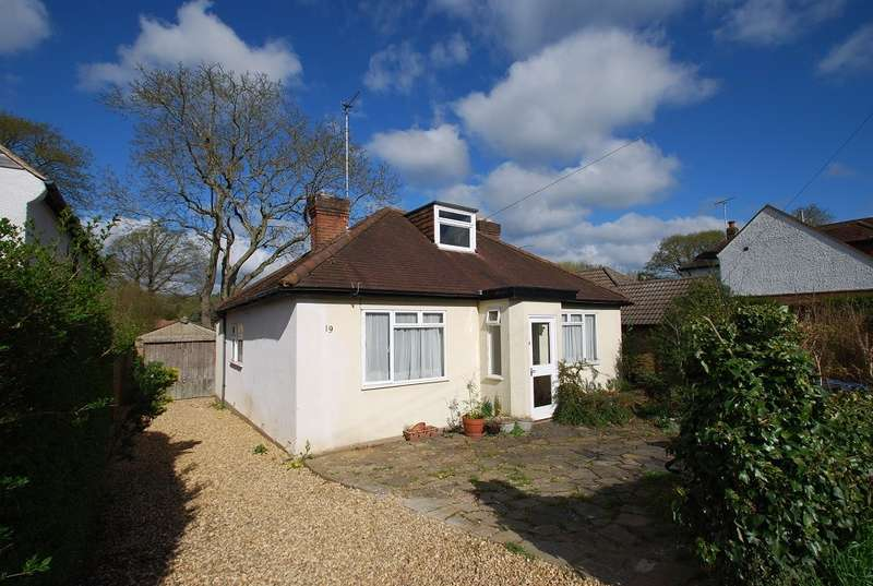 3 Bedrooms Detached Bungalow for sale in Highlands Road, Seer Green, Beaconsfield, HP9