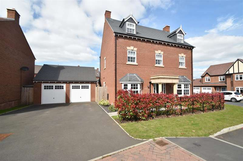 5 Bedrooms Property for sale in Woodedge Drive, Droitwich