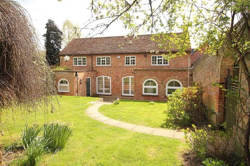 3 Bedrooms Cottage House for sale in Midgham Park, Midgham