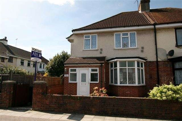 3 Bedrooms Semi Detached House for sale in Donaldson Road, Cosham, Portsmouth, Hampshire, PO6 2SZ