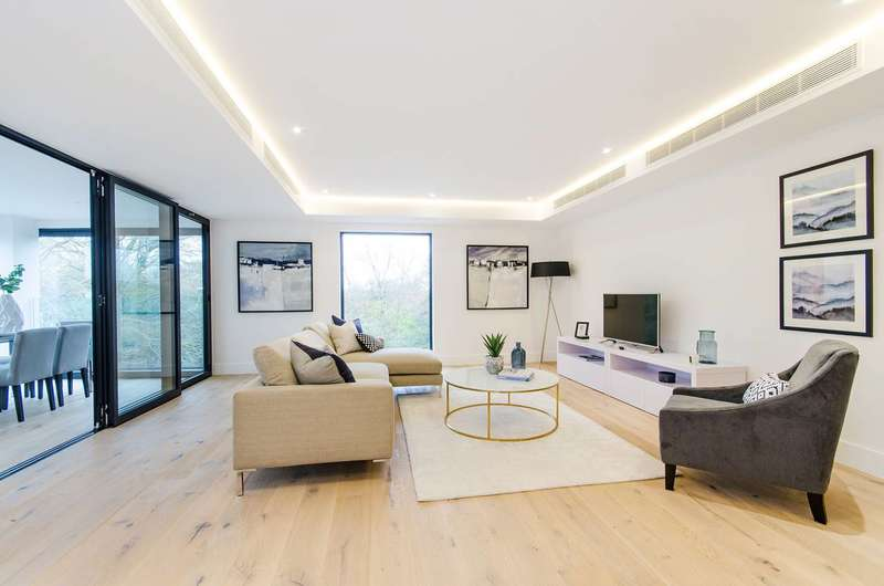 3 Bedrooms Flat for sale in Fifty Sulivan Road, Sands End, SW6