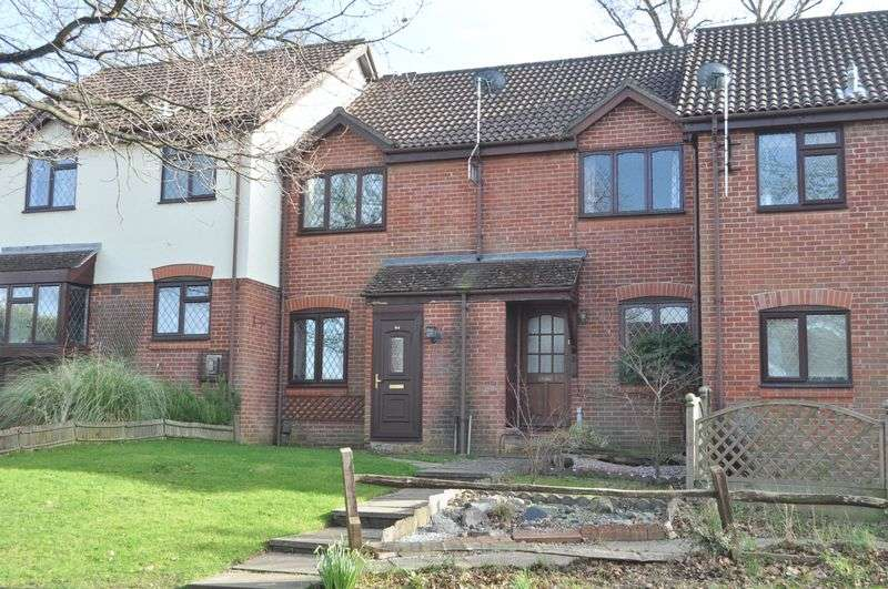 2 Bedrooms Terraced House for sale in Bickney Way, Fetcham